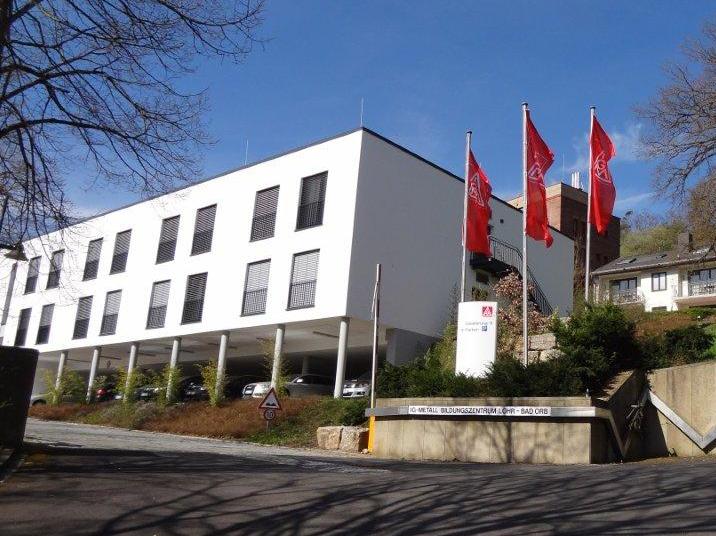 Referenzen Bildungszentrum Lohr am Main von Maler FRANZ